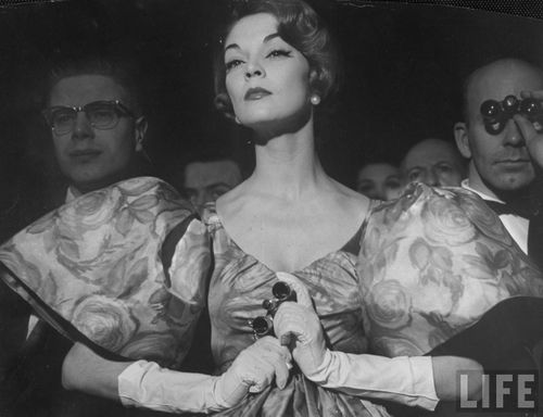Fifites Fashion puff sleeve